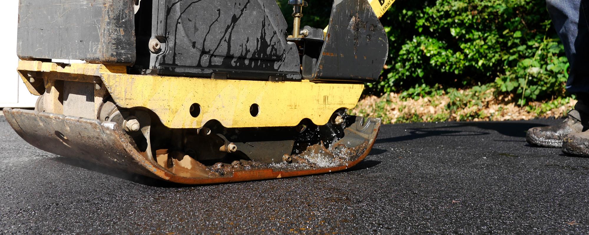 FLECK-Asphaltbau-asphaltieren